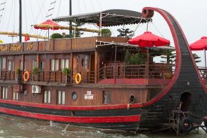 Boat - Halong Bay